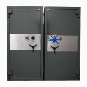 Used AMSEC CF6528 TL30 High Security Safe Twins